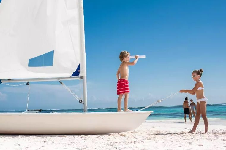 Lifestyle - Kids, watersports, sailing, EBR primary image